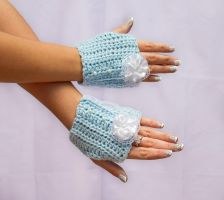 Blue lacy lolita fingerless gloves by theaquallama