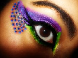 Purple Blue Green Spot Make Uo by Ayshii-x