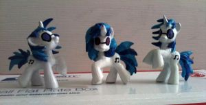 The Many Faces of Vinyl Scratch by Xaphriel