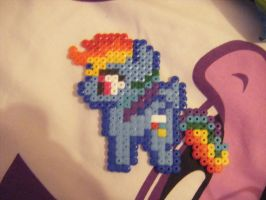 Perler Rainbow Dash by Llama-lady