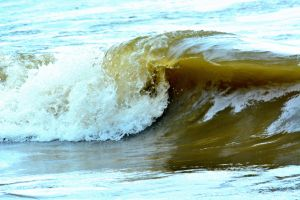 Lake Erie wave by TomKilbane