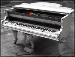 Piano by unholycreation