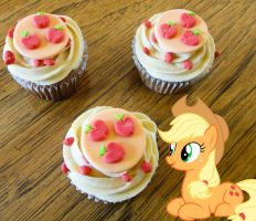 Apple Jack's Spiced Apple Cupcakes by LadyGryffindor