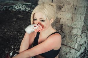 Annie Leonhardt: Leave me alone. by SunChizz