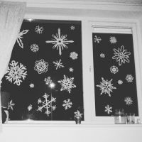 Paper Snowflakes by Yorphine