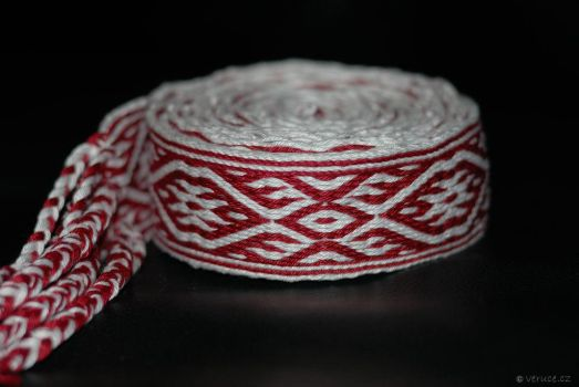 Tablet weaving by veruce