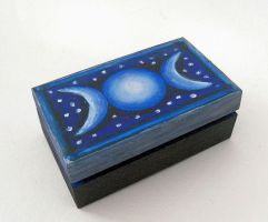 Little box Triple Moon by oshuna