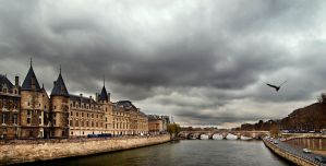 along the seine.... by VaggelisFragiadakis