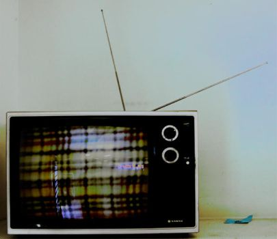 thrift store tv. by r36e51c