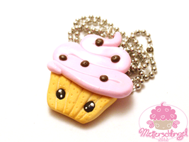 Cute Cupcake Necklace by Metterschlingel