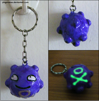 PKMN: Koffing Keychain by yingmakes