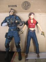 Resident Evil 1/6 scale figures Leon and Claire by Demon-Lord-Cosplay