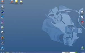 Desktop October 2005 by aciddan