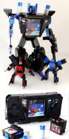 Gearhead - SEGA Game Gear Transformer of LEGO by VonBrunk