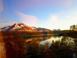 Midnight sun at 69*North, Norway by thesmilyone