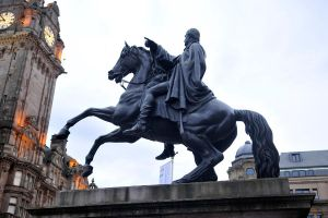 Before the Balmoral - Edinburgh by wildplaces