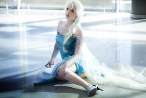 Elsa: Frozen by princess-soffel