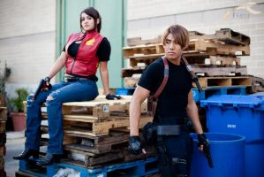 EXPCon 2011 - Resident Evil | Claire + Leon by elysiagriffin