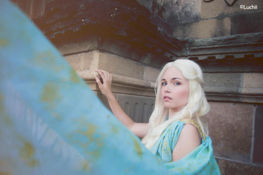 Game Of Thrones - Daenerys Targaryen by luchia-28
