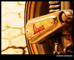 vespa by breakablez