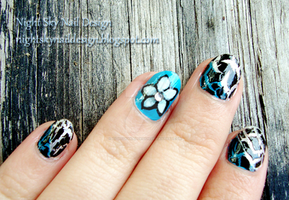 Flower and Crackle by nightskynaildesign