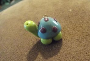 Tortoise pendant by MeticulousBlue