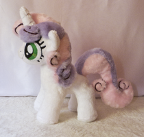 sweet Sweetie Belle plush by mmmgaleryjka
