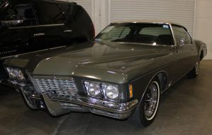 Buick Riviera by boogster11