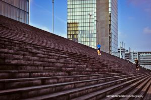 Jogging in Paris by Fotogenia