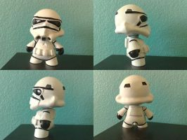 stormtrooper munny by RETR0spec