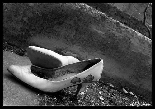 old fashion shoes by ndouz