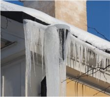 Icicles in town 1 by Kattvinge