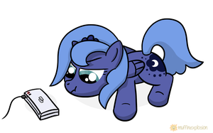 Little Luna charging her DS by muffinexplosion