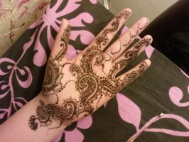 Henna.23 by BeautifulLoneliness