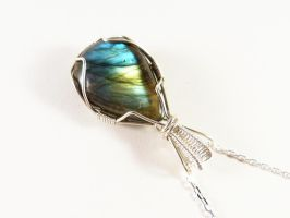 Labradorite necklace by Kreagora