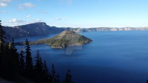 Crater Lake - Wizard Island by Leannellies