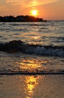 Lake Erie Beach Sunset by vm0ney