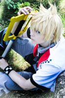 Kingdom Hearts: Roxas Cosplay by YamiNoShadow