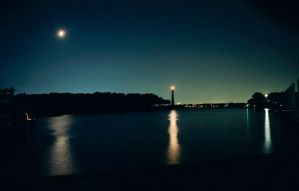 bay at night by p7r4e7y
