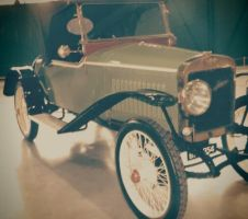 Classic car RAF Museum by Grabacr96