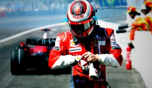 Tilt Shift F1 Power Driver by MowCroft