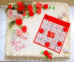 Bingo card cake 1 by buttercreamfantasies