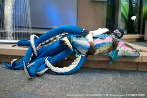 Tentaspy loves FEESH - Youmacon 2011 by Lithe-Fider