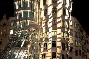 Dancing house by hombre-cz