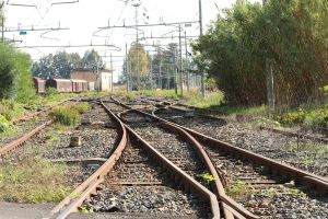 Railroad tracks by 7whitefire7