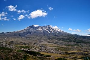 Mount Saint Helens by Moohoodles