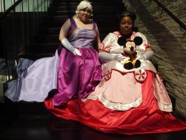 Queen Minnie and Lady Daisy by snowtigra
