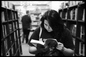 reading by Gabyphotography