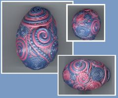 solid pink n blue filagree egg by Glori305