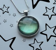 Green Glimmer Pendant1 by personalisedbeauties